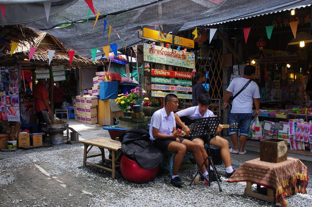 Khlong Lat Mayom Floating Market Cheap Bangkok Budget